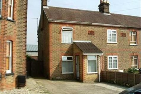 Mount Road, Braintree, Essex. 2 bedroom semi-detached house