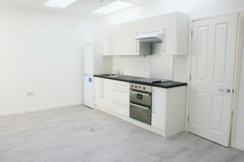 High Street, Cobham, Surrey, KT11. 1 bedroom flat