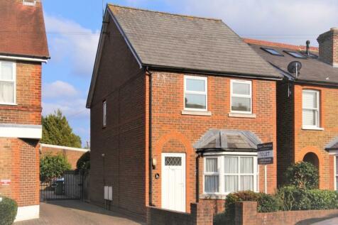 Anyards Road, Cobham, Surrey, KT11. 2 bedroom detached house