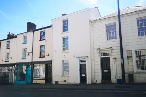 Moor Street, Chepstow. 2 bedroom flat