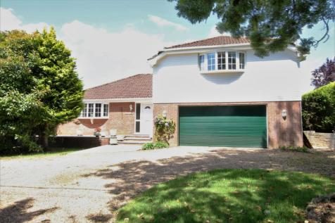 HORNDEAN. 4 bedroom detached house for sale